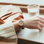 据说戴表更能彰显女人魅力,推荐卡西欧SHEEN蜜桃金腕表